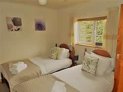 twin bedroom in cottage in betws-y-coed